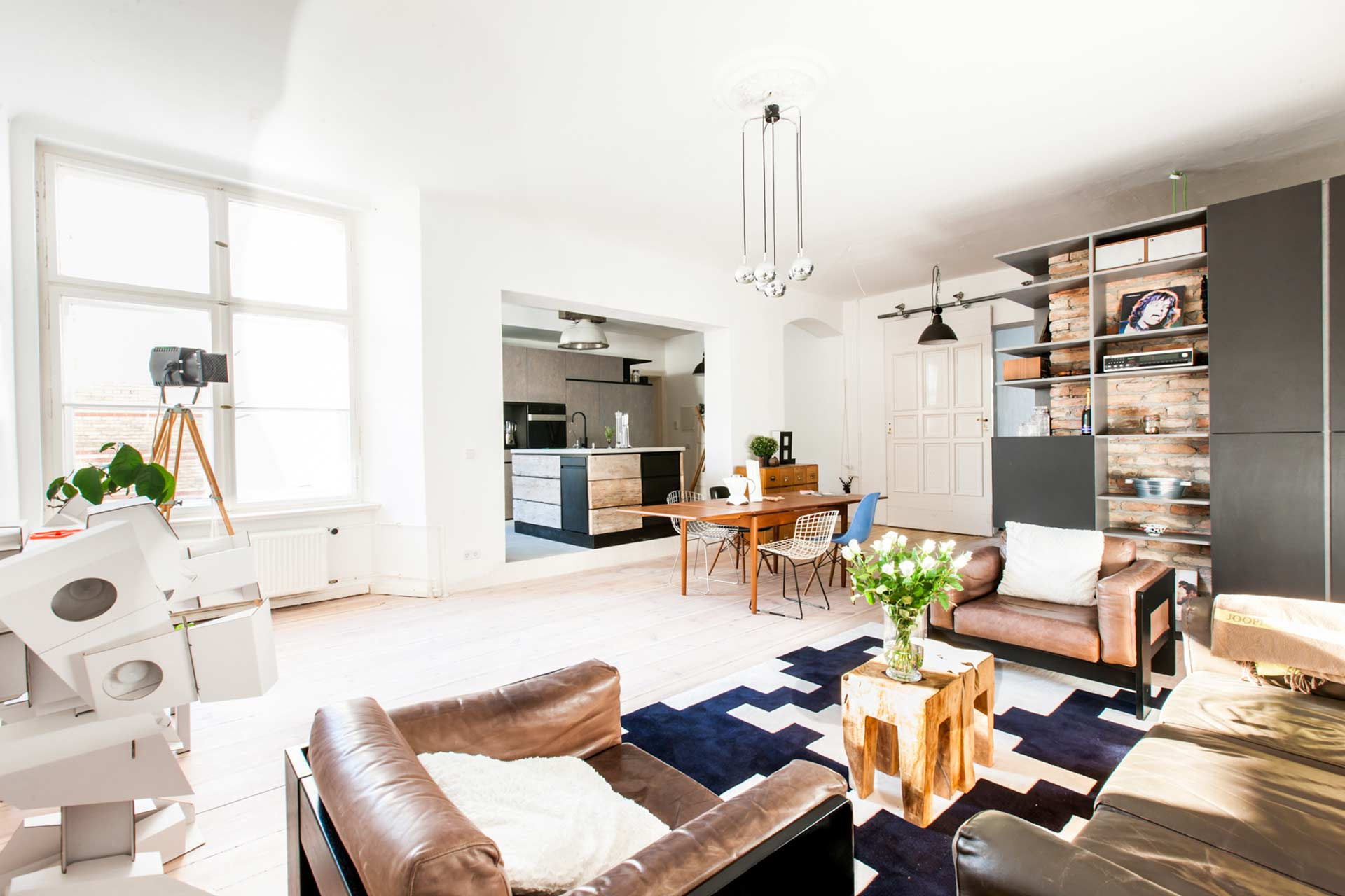 IQOI / » Daniel\'s Apartment